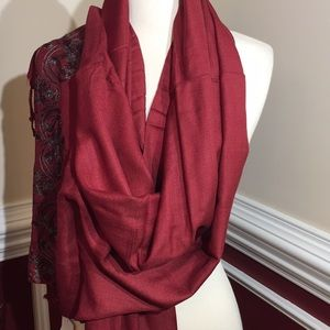 Pashmina Scarf/shawl. Burgundy with grey threads